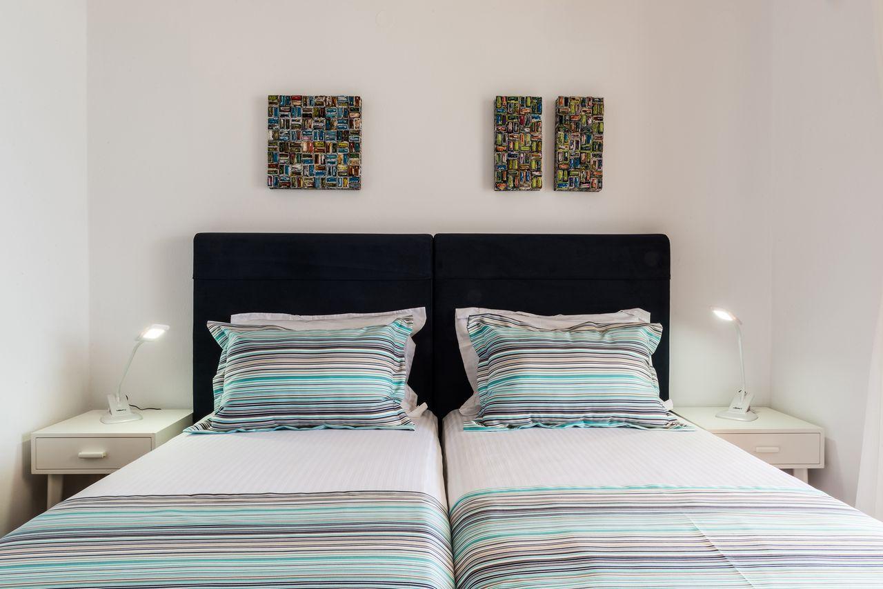 Sea view bedroom-single beds