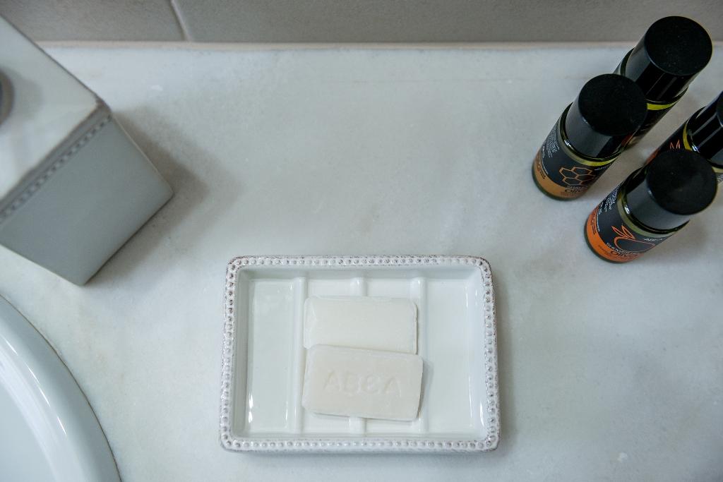soap, shampou and shower gel